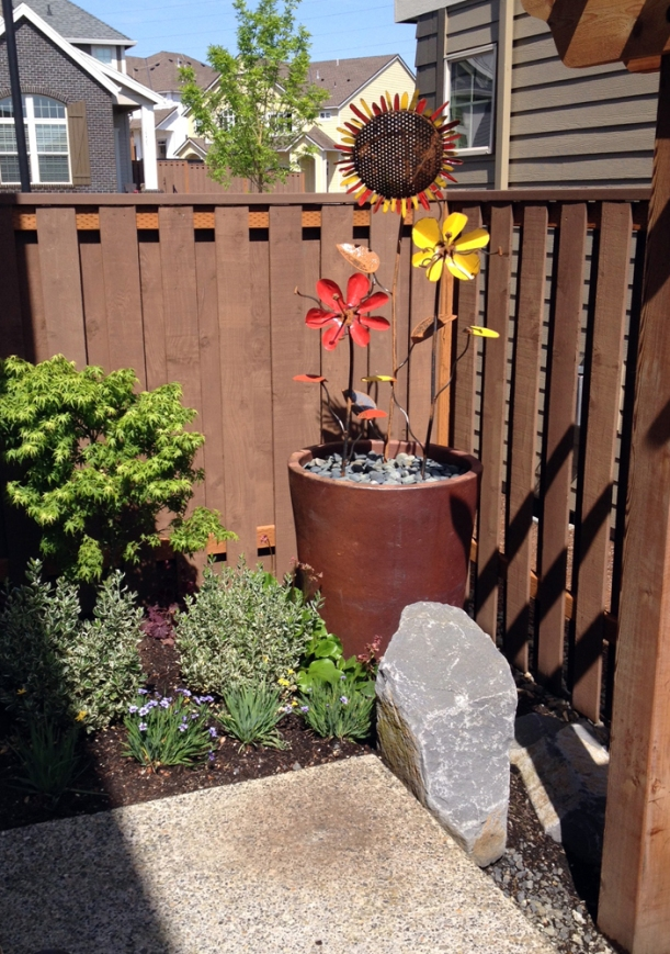 courtyard flower pot