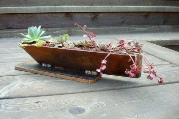 "lloyd wright planter - 12""Lx 5""H"