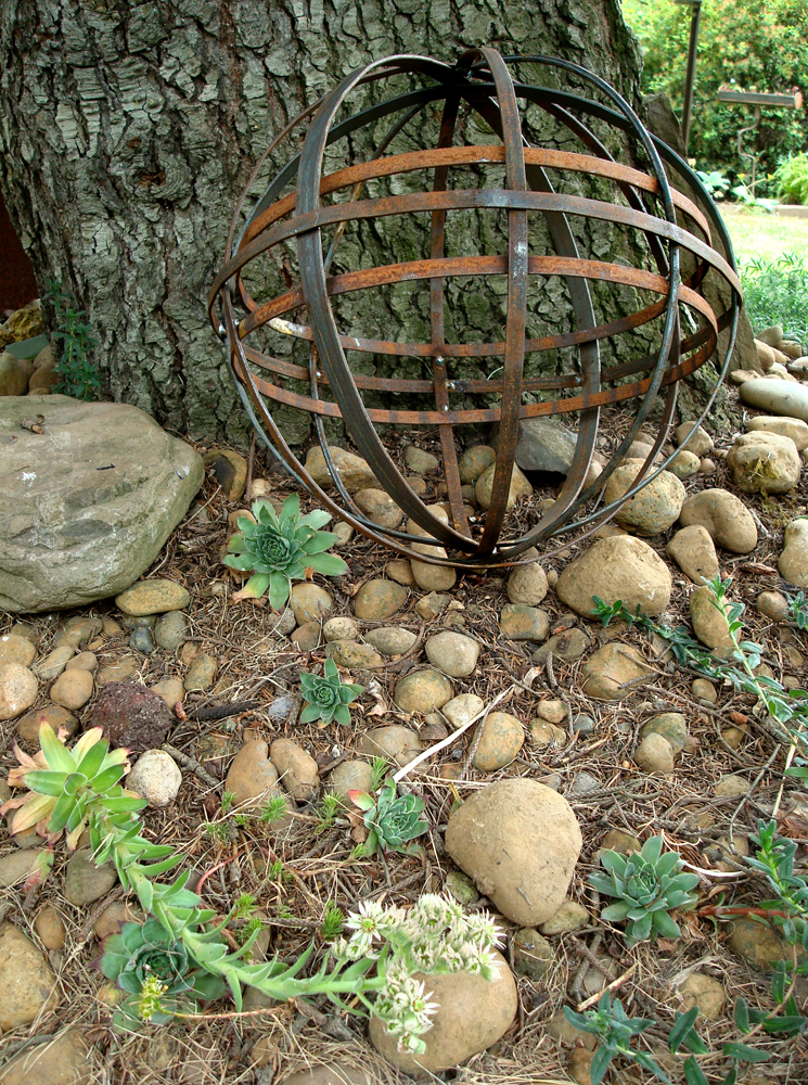garden orb INDIO METAL ARTS